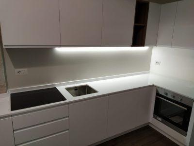 Montaggio piccola cucina a regola d'arte
