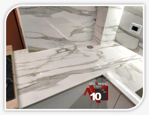 cucina su misura con portaprese integrato e finestra in composizione 8