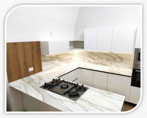 cucina su misura in casa antica con volte a botte 7.jpeg
